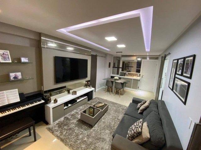 AB215 - Apartamento todo projetado/ 03 quartos/ Varanda gourmet - Foto 2