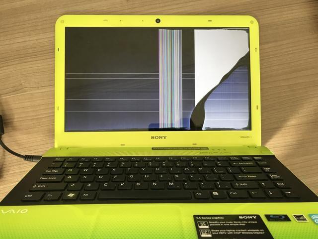 Trocamos a tela quebrada de seu notebook em 15 minutos!