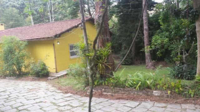 Casa em Itaipava ideal para construtores e investidores, com terreno de 5.000m2 planos - Foto 5