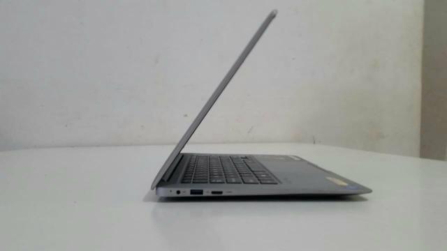 Ultrabook positivo quad core 2gb RAM com 32gb de armazenamento