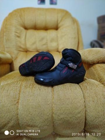 Bota sapato calçado motoqueiro moto novinha - Foto 2