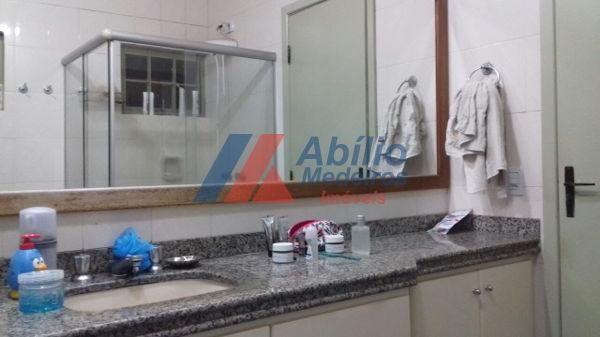 Casa sobrado com 5 quartos - Bairro Bancários em Londrina - Foto 7