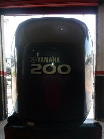 Motor de Popa 200 HP Yamaha Ano 2011 Revisado