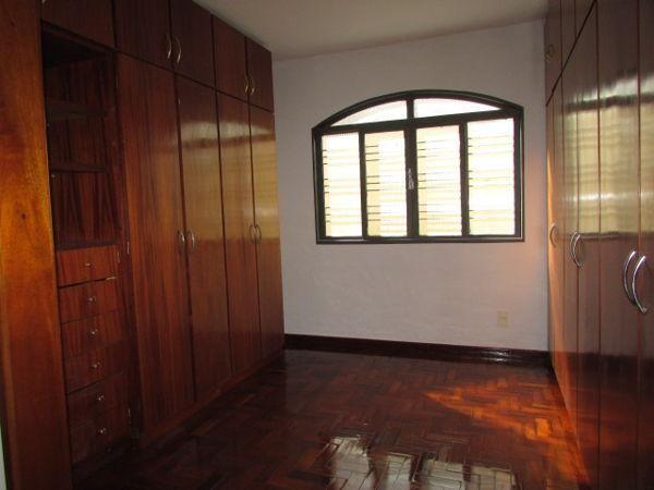 Casa  com 4 quartos - Bairro Jardim América em Goiânia - Foto 14