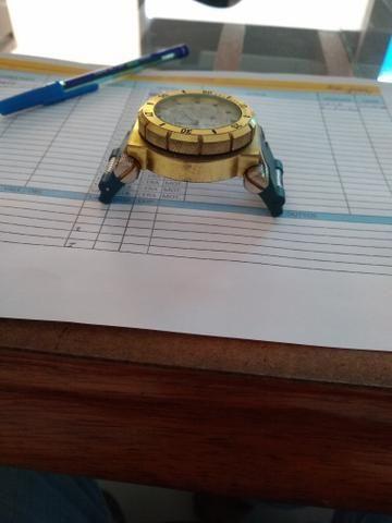 Vendo relógio invicta para retirada de peças porque não encontrei a pulseira - Foto 3