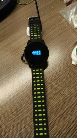 Vendo Smart band com GPS - Foto 2