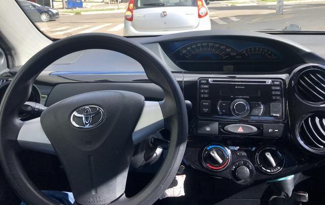 ETIOS Sedan Preto 1.5 X - Foto 3
