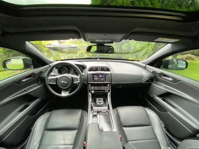Jaguar Xe 2.0 TurboCharged R-Sport 2018 - Foto 4