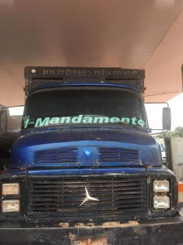 Caminhão Mercedez /88