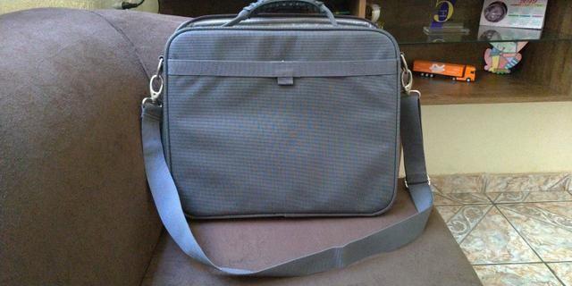 Vende-se essa bolsa para Notebook!