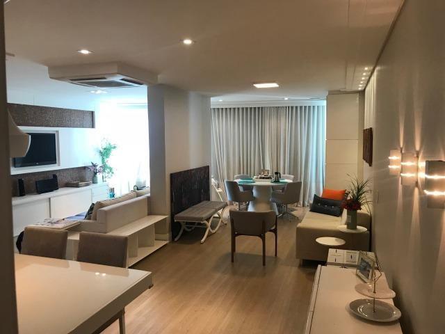 De 690 por 650 mil. Apartamento 3 quartos, montado e decorado na Praia da Costa