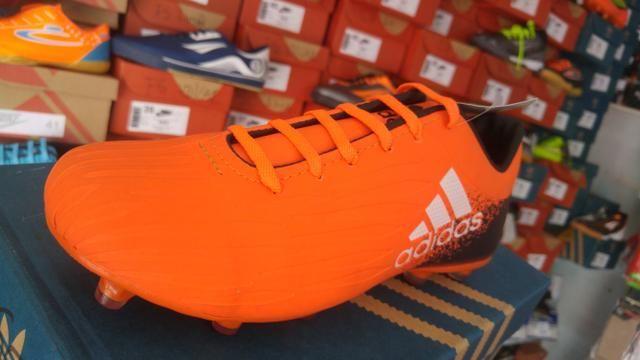 Chuteira (Adidas) Campo - Roupas e calçados - Centro 98da0b7b95676