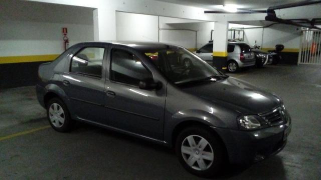 Renault Logan Authentic - Único Dono
