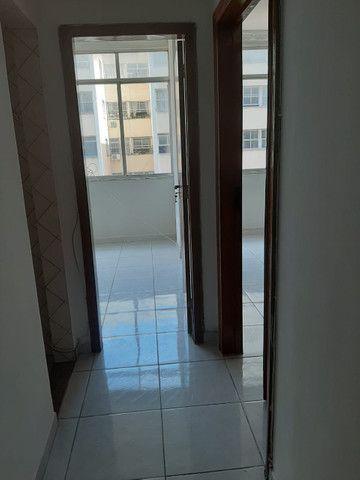 Apartamento lindo no centro aceito deposito de 1 mes direto com o proprietario  - Foto 7