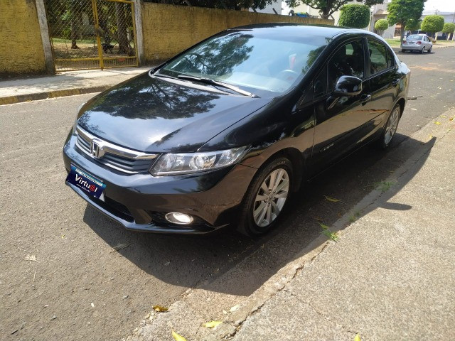 Civic lxs 1.8 automático flex 2013