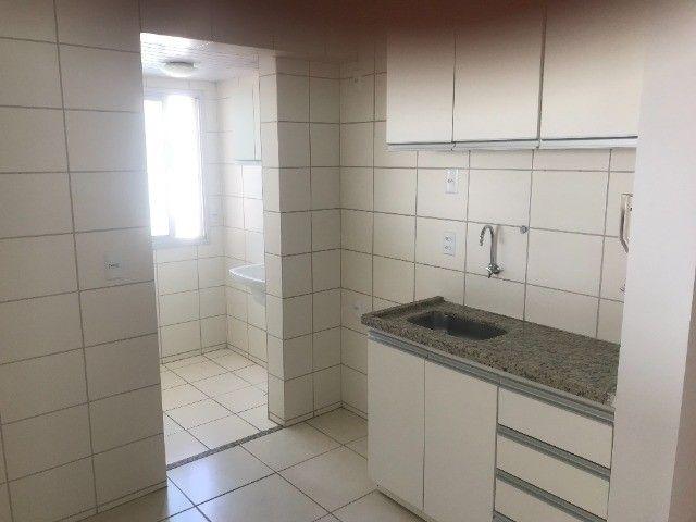 Vende-se Apartamento 2 Quartos sendo 1 suíte, Cond. Portal das Flores, St. Negrão De Lima - Foto 3