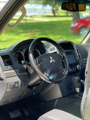 Mitsubishi Pajero HPE Full 3.2 4x4 7 Lugares  - Foto 11