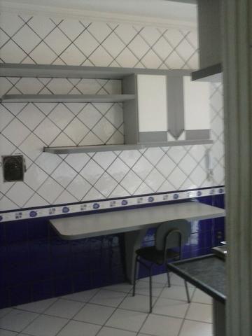 Apartamento no segundo andar sem condominio com ventilador de teto e armarios