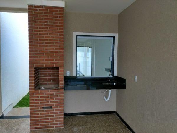 Casa linear 3 quartos, suíte= churrasqueira , nova em Santa Mônica - Guarapari