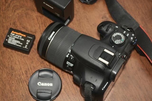 Câmera Fotográfica Canon EOS Rebel T5 seminova - Aceito cartão de crédito - Foto 4