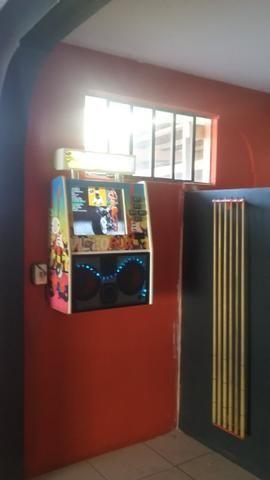 6 máquinas de música com noteiro e moedeiro falta placa mãe e HD - Foto 3