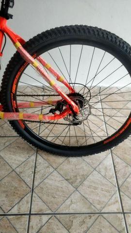 Novo! Bicicleta Aro 29 - 21v - Câmbios Shimano - Freio a Disco Mecânico com Suspensão - Foto 4