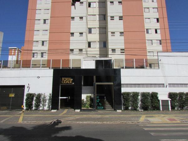 Apartamento  com 3 quartos no Edifício Portal da Cidade - Bairro Setor Bela Vista em Goiân