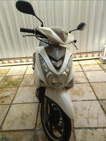 Moto Shineray automática 150cc