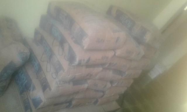 Vendo 19 sacas de cimento 480 reais