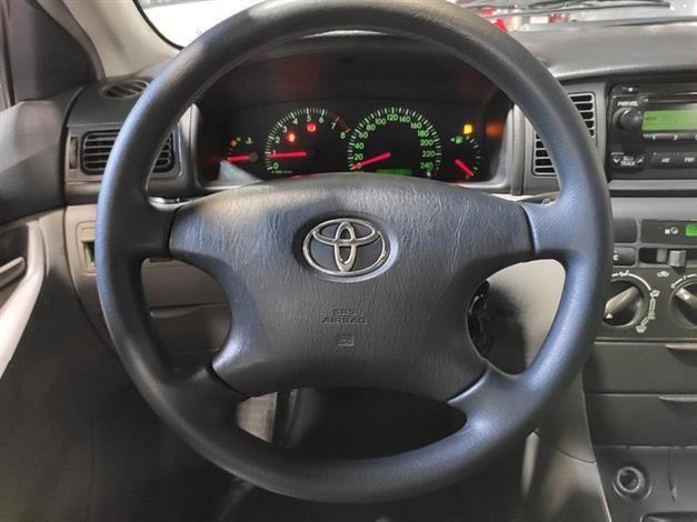 Toyota Corolla Sedan XEi 1.8 16V manual fazemos troca com troco - Foto 3