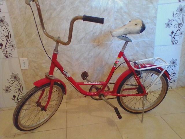 Bicicleta antiga monareta ole 70 vermelha