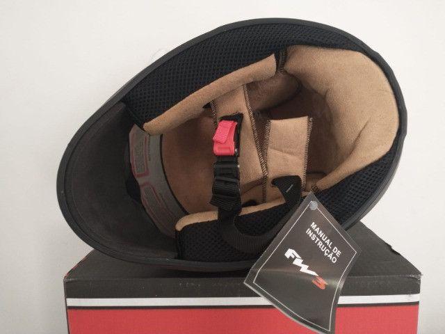 Capacete Top FW3 Classic Premium (viseira extra fumê) - Foto 9