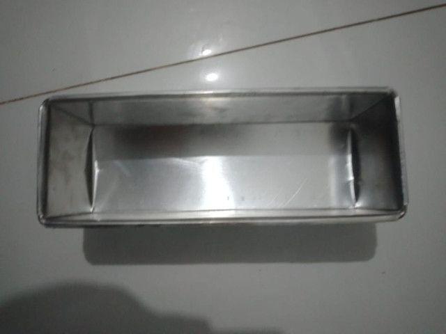 Forma de pão com tampa 30x10x10 padrão - Foto 2