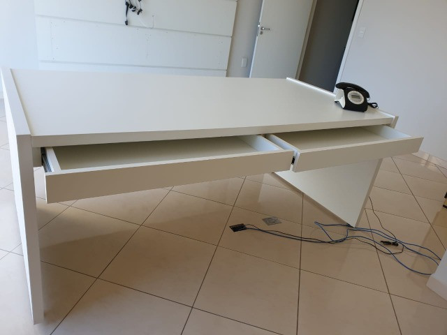 Aceito proposta para mesa p/ escritório c/ 2 gavetas - Foto 3