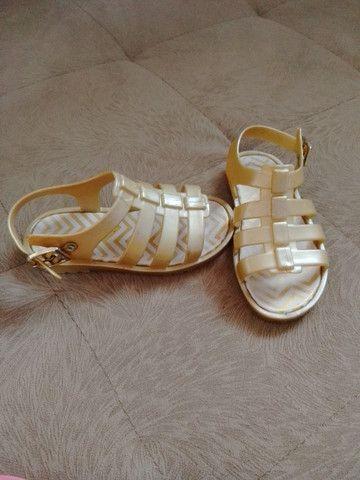 Sandália Pimpolho Colorê - dourada n°22 - Foto 3