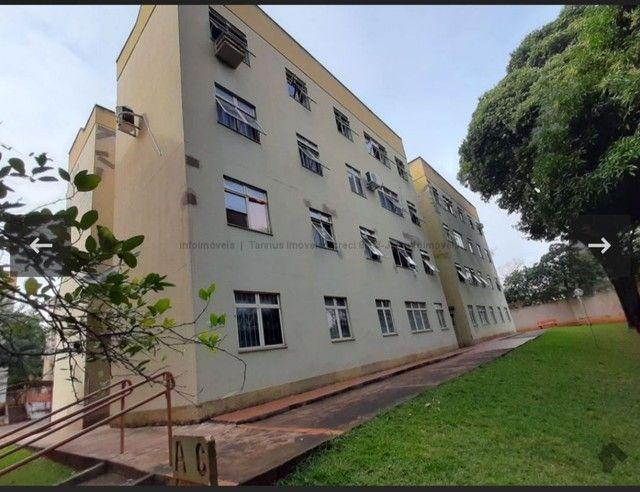 Aluga-se Apartamento 3 quartos Frente para Av Mato Grosso