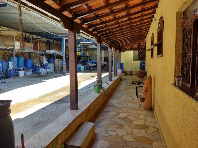 Cod.:2967 Ótima casa 185m² + loja + galpão 418 m² lote 912 m² no Santa Branca - Foto 4