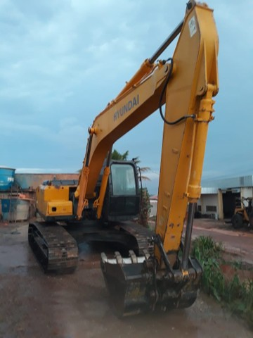 Escavadeira Hyundai 210