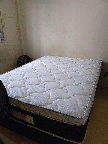 Vendo cama Box novinha