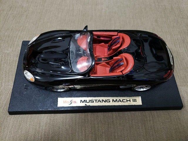 Miniatura Carro de Coleção Mustang Mach III Escala 1/18 - Foto 2