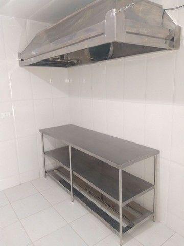 Coifa de inox ,mesa , estantes , exaustor - Foto 5