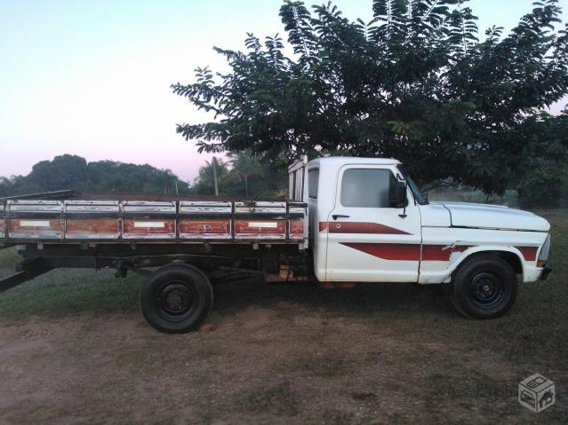 FORD F-2000