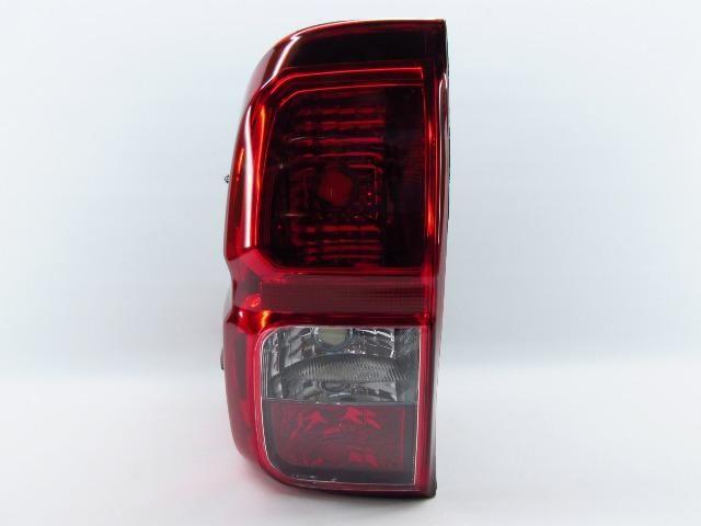Lanterna Toyota Hilux 2016 2017 Esquerdo Com Função Neblina