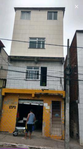 Vendo casas em Narandiba na rua principal, carro ,perto da faculdade baiana de medicina