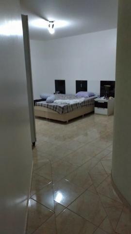 Ótima casa com lote de 1000M² 4 Qtos sendo 3 suítes | 6 vagas | lazer - Foto 8