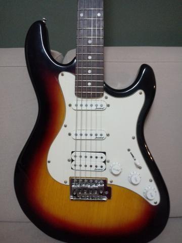 1 Guitarra semi Nova, Strimberg, Modelo Stratocaster