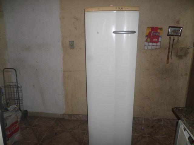 Freezer vertical eletrolux - Foto 2