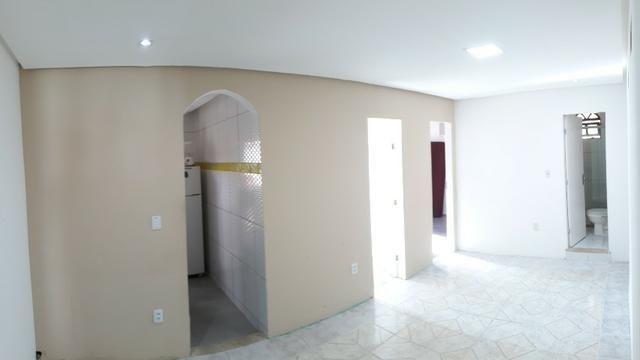 Casa 2/4 na rua Rua km 17 de Itapuã
