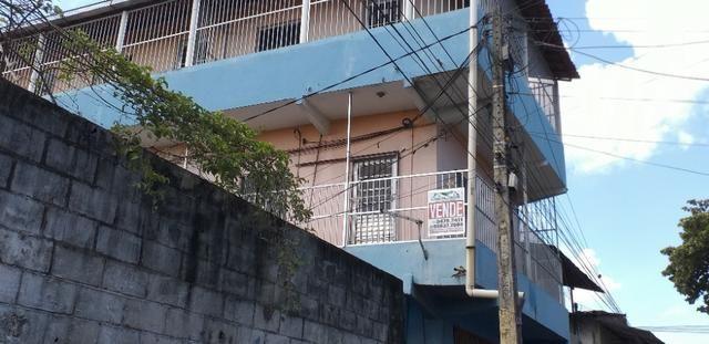 Vendo prédio de 3 pavimentos, c/8 kitinetes + ponto comercial, no Quintino Cunha - Foto 4