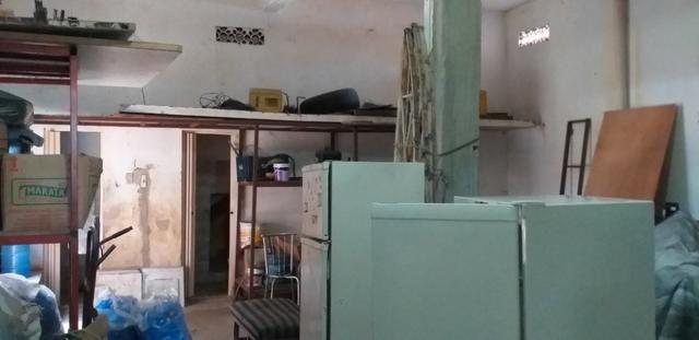 Vendo prédio de 3 pavimentos, c/8 kitinetes + ponto comercial, no Quintino Cunha - Foto 16
